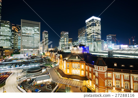 Modern cityscape night view of Tokyo Station 27288116