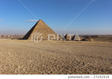 Pyramid of King Menkauer and Queen 27292918