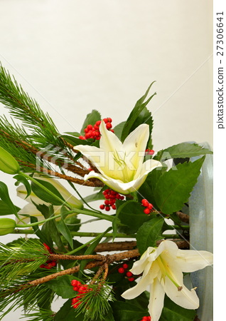 Ikebana New Year decoration 27306641
