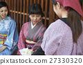 Women who get breaks Japanese-style sweets 27330320