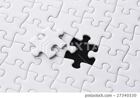 하얀 퍼즐 27340330