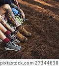 legs outdoors people 27344638