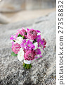 the bueatiful wedding bouquet of fresh flower 27358832