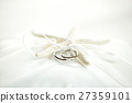 wedding rings with the starfish on the cushion 27359101