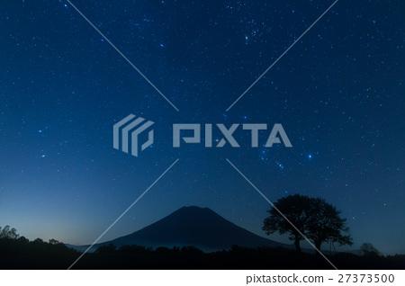 에조 후지 요 테이 산의 밤하늘 _ 홋카이도 니세코의 밤하늘의 별빛 27373500
