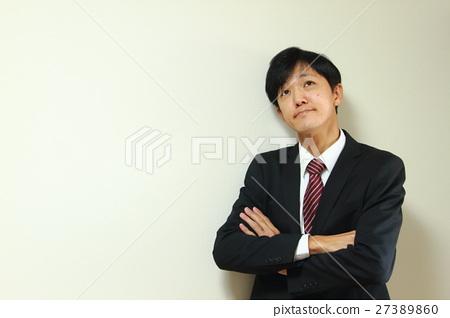 생각 고민 샐러리맨 27389860