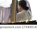 獨居的婦女住老人洗衣房 27489018