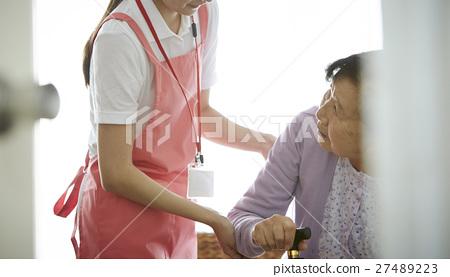 家庭護理援助 27489223