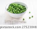 fresh green pea 27523048