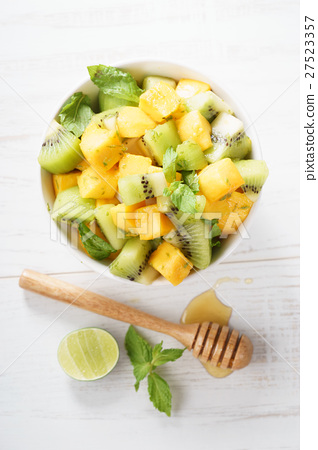 mango and kiwi fruit salad 27523357