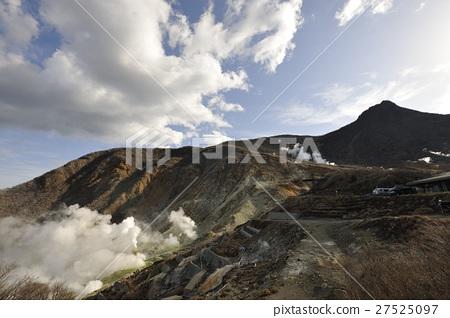 Hakone Owakudani and white smoke (Kanagawa) 27525097