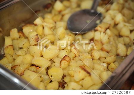 Fried potato slices 27526597