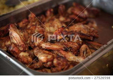 Fried chicken wings 27526598