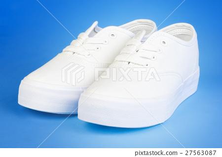 Flatform Plimsolls in white on blue  27563087