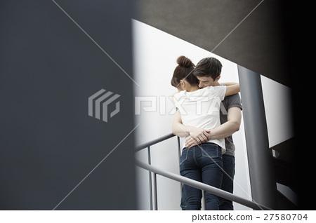 男人和女人 男女 擁抱 27580704