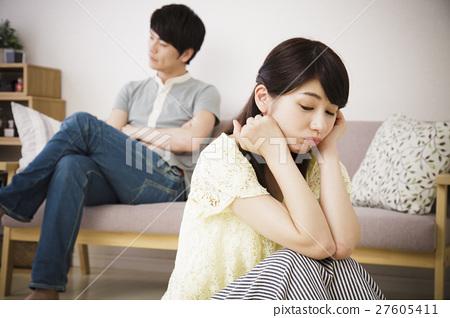 부부 싸움 싸움 부부 문제 스트레스 부부 신혼 생활 남녀 27605411