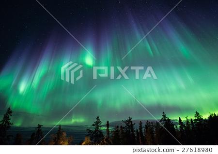แสงเหนือท้องฟ้า 27618980