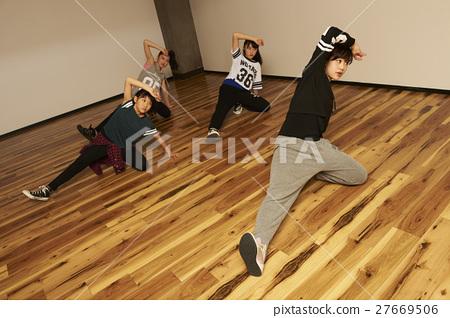 댄스 스쿨 27669506