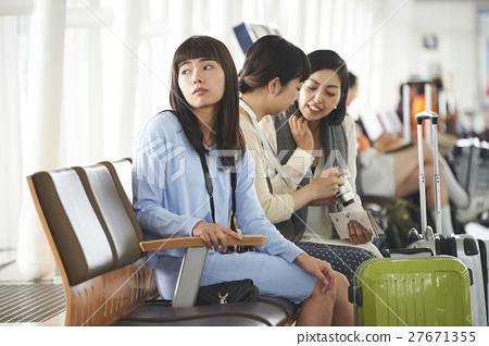 女性朋友機場 27671355