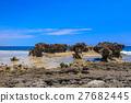 山石的 海滩 海岸 27682445