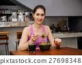 eating,salad,healthy 27698348