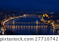Chain bridge Hungary Budapest at night 27710742
