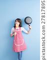 housewife take wok and spoon 27817895