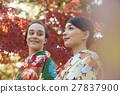 享受秋葉和外國女性的日本女性 27837900