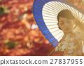 燦爛的秋葉和和服女性肖像 27837955