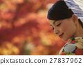燦爛的秋葉和和服女性肖像 27837962
