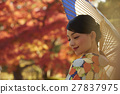 燦爛的秋葉和和服女性肖像 27837975