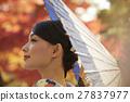 燦爛的秋葉和和服女性肖像 27837977