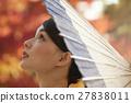 燦爛的秋葉和和服女性肖像 27838011