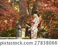 灿烂的秋叶和和服女性肖像 27838066