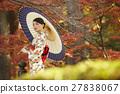 灿烂的秋叶和和服女性肖像 27838067