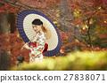 灿烂的秋叶和和服女性肖像 27838071