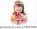 Little girl with flower bouquet 27895096