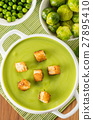 vegetable cream soup puree with croutons 27895410