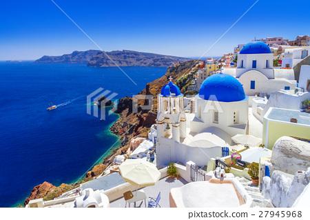 Beautiful Oia town on Santorini island, Greece 27945968