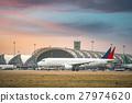 飞机 机场 跑道 27974620