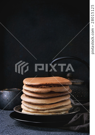 Ombre chocolate pancakes 28015125