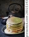 Ombre matcha pancakes 28015143