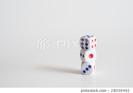 Stack of dice 28036492