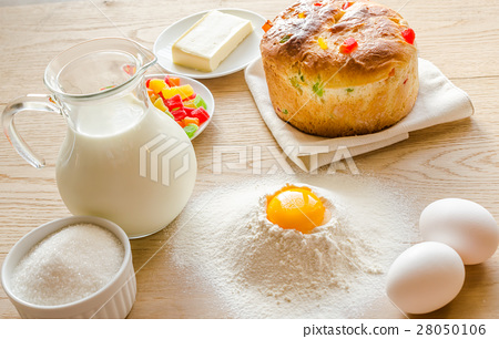 Basic ingredients for sweet bread (panettone) 28050106