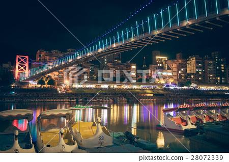 吊橋 28072339