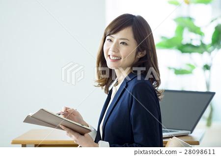 หญิงธุรกิจ 28098611