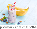 Banana and blueberry diet smoothie 28105966
