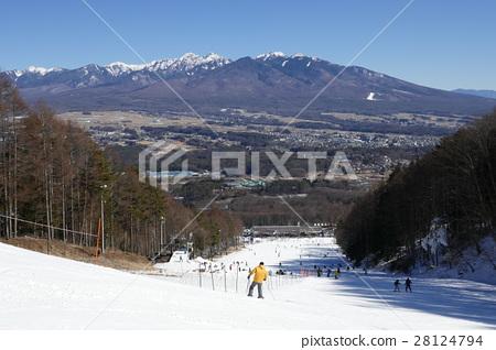 我想要的中心房子來自富士見全景度假村和八嶽山的中心斜坡 28124794