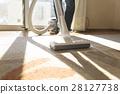 진공 청소기 주부 실내 거실 역광 창문 카뻬토 집 청소 가사 대행 범용 28127738