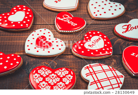 Heart-shaped biscuits for Valentine's Day. 28130649